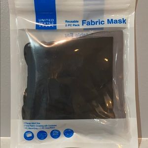 🎉2 pack gray and black fabric adult masks nwt 🎉